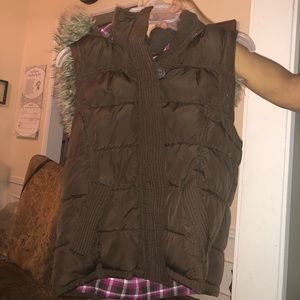 Aeropostale puffer zip up jacket vest w/ fur hood